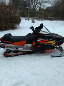 have a arctic cat cross country edition zr 800cc for sale Belleville Belleville Area image 1