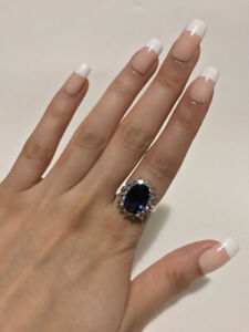 ROYAL SAPPHIRE RING, INSPIRED BY PRINCESS DIANA.