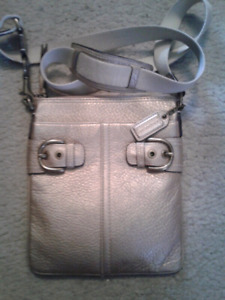 Coach crossbody  swingpack leather purse