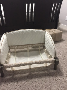 Baby Trend Playpen and Bassinet