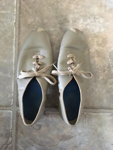 GIRLS DANCE SHOES - GENTLY USED