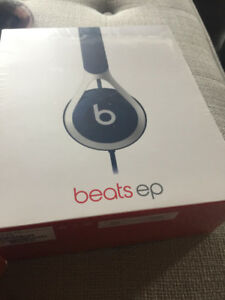 New sealed in box blue Beats by Dr. Dre EP headphones