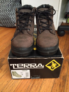 Terra size 5.5 Women Safety Boots