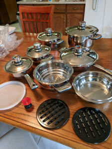 Cookware set, brand new