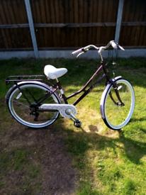 Girls Victoria pendleton Dutch style bycycle