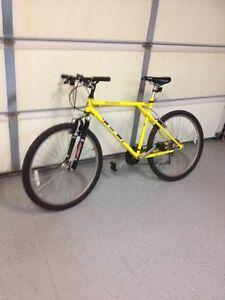 Outpost men's bike