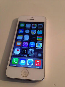 Iphone 5 White 16GB with charger