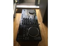 Full Pioneer 350 set. 2xCDJs & Mixer