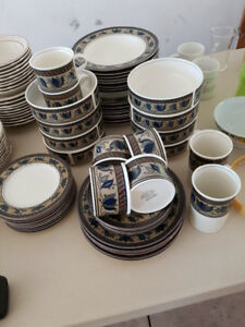 Mikasa Dishes (Arabella design)