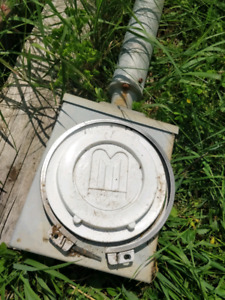 100A power pole and meter box