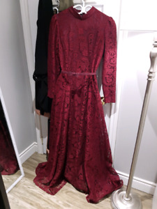 Long sleeve turkish style prom dress / evening gown