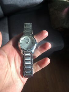 SELLING MEN BULOVA WATCH PERFECT CONDITION