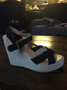 Black and nude wedges size 9