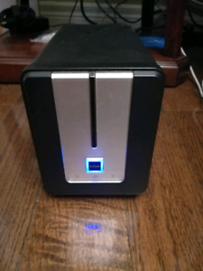Nas: dink DNS-323 Network storage drive, with 2X1TB drive.