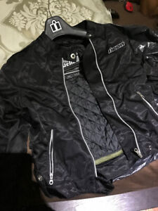 Ladies motorcycle jacket brand new. Small