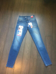 NEW  SKINNY BETTA BUTT  LIFTING JEANS SIZE 3 FITS A SMALL