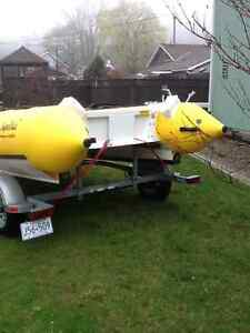 18' INFLATABLE BOAT AND TRAILER London Ontario image 7