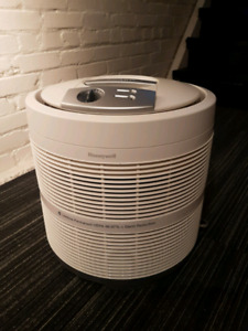 Honeywell 50250 True HEPA Round Air Purifier with Germ Reduction