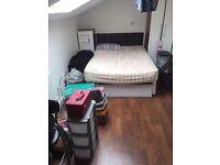 Double studio flat to rent in West Kensington