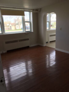 1 Bedroom Apt. $900/month in Trenton. Available July 1st!
