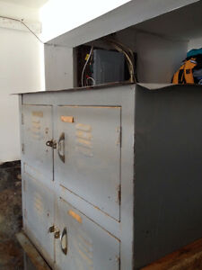 Kitchen island project - School workbench with locker base