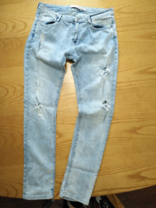 ZARA FADED JEANS WITH HOLES