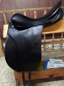 Stubben Tristan Dressage Saddle 18""
