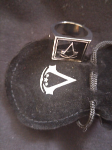 Assissans creed ring