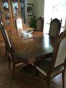 DINING TABLE, 6 CHAIRS, AND CHINA CABINET Windsor Region Ontario image 3