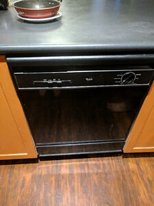 *** SALE**** Whirlpool Appliances - Package PRICE IS NEGOTIABLE
