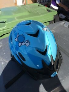 Rawlings bike helmet xs/s / casque de velo enfant