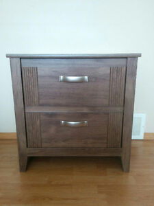 Oak grain finish Front Accented Single Night stand