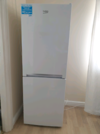Beko fridge freezer cxfg1552w