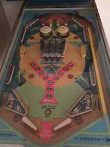Showtime PINBALL was produced by Chicago Coin Machine Co 1974. Kitchener / Waterloo Kitchener Area image 4