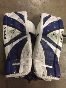 "31"" Reebok 7K Junior Goalie Leg Pads"
