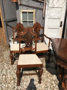 Antique Dining Set : Andrew Malcolm