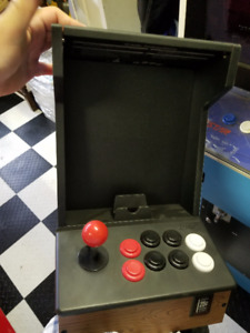 iCADE game cabinet with built-in joystick & buttons