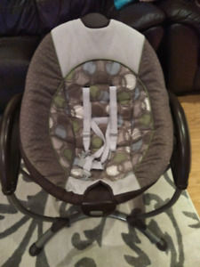 Babys Graco Gliding Swing - Excellent Condition