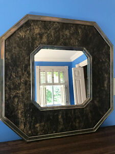 Octagonal decorative wall mirror