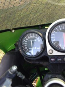 Kawasaki zx7-r 1997 pour route ou la track