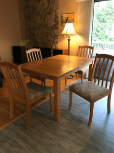 Kitchen table, 6 chairs+hutch+leaf