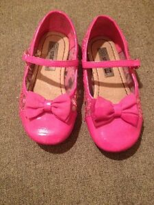 Girls pink dress shoes - size 10