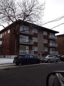 NDG RENOVATED UPPER 2 Bedroom EQUIPPED