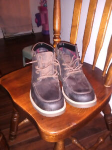 Size 13 leather Clarks shoes brand new