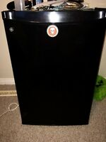 Selling beer fridge with built in freezer 100$ firm