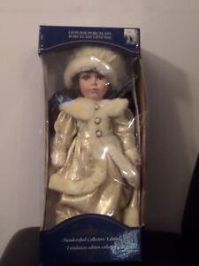 Collectable Porcelain dolls / Poupée de collection en porcelaine Gatineau Ottawa / Gatineau Area image 5