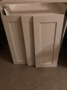 BRAND NEW CABINET W/DRAWERS