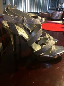 Size 8 sparkly heels. Peterborough Peterborough Area image 4