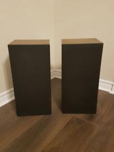Vivid EM110 2-Way Floor Standing Tower Speakers - Pair