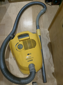 Free working vacuum cleaner